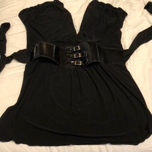 Low cut top with belted waist